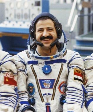 AstronautOpener