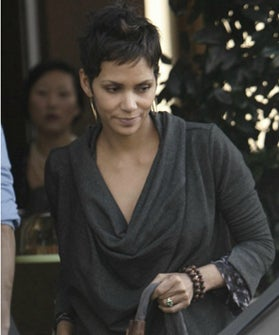 halle-berry-engagement-ring