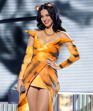 katy_rexfeatures_3211015af_opener