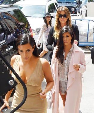 Kardashians01282016OPENER