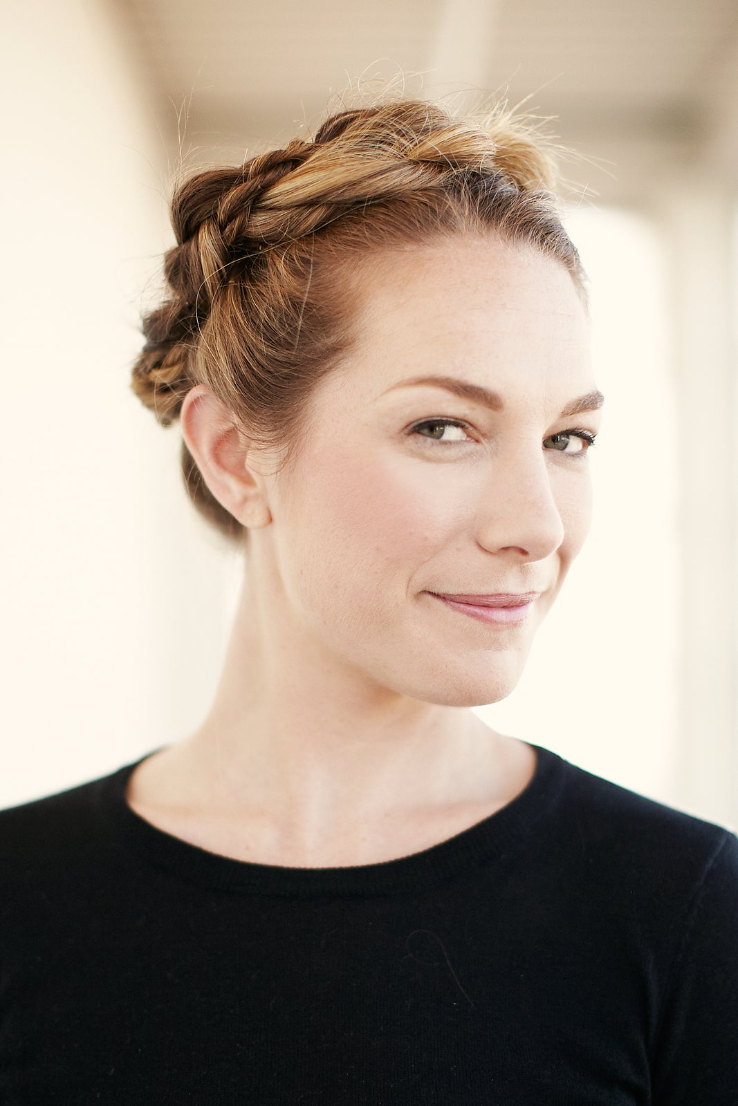 Dirty Messy Hair Easy Styling Tips - Diy hairstyle knotted milkmaid braid