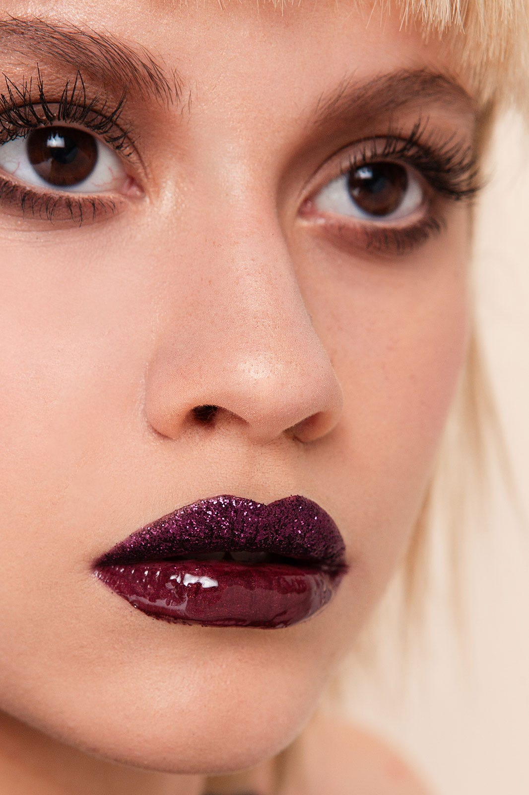 Картинки по запросу make up lips glitter
