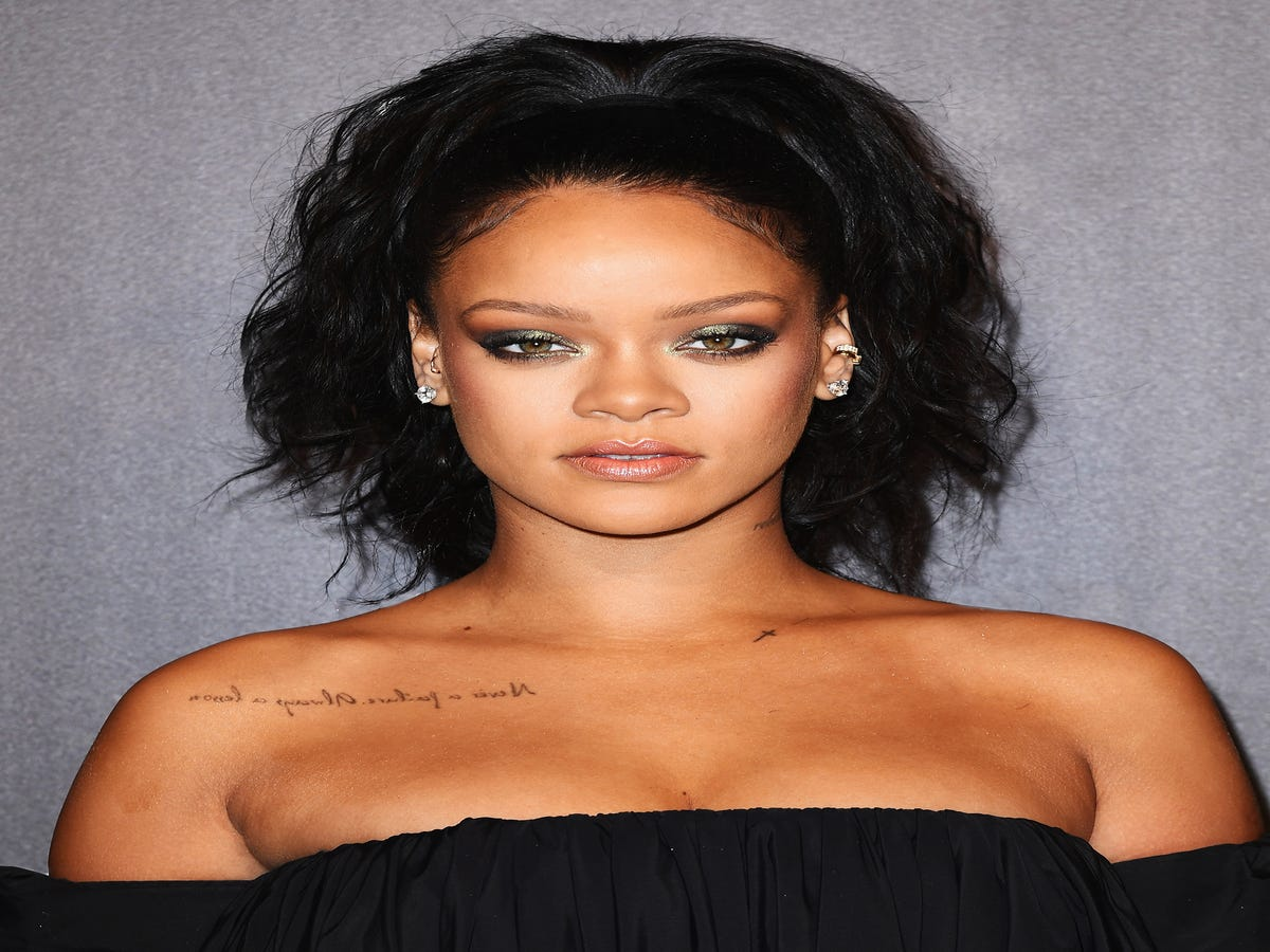 Rihanna s Coming Out With A Mysterious New Beauty Product