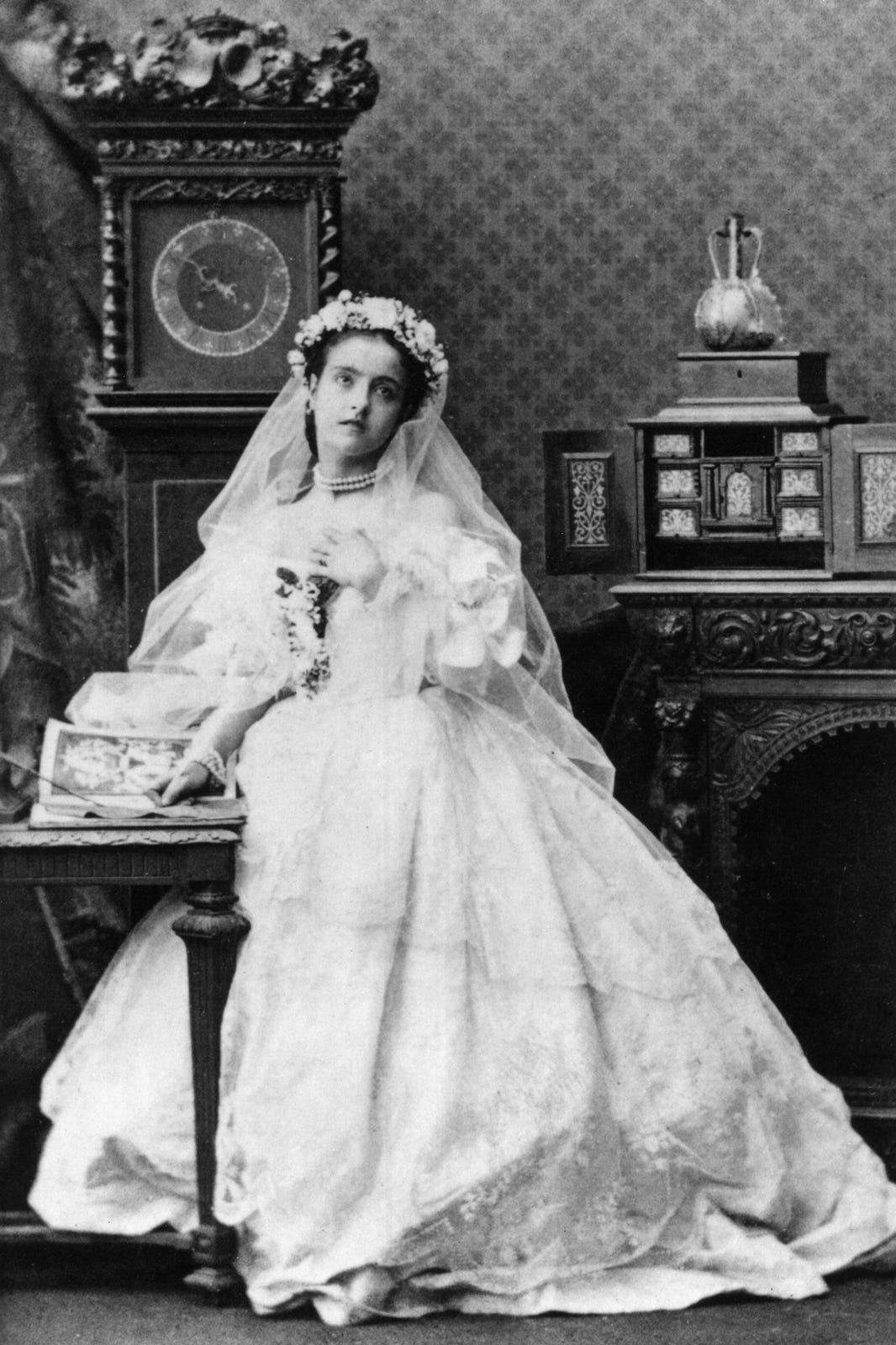 wedding dress trends history wedding dress