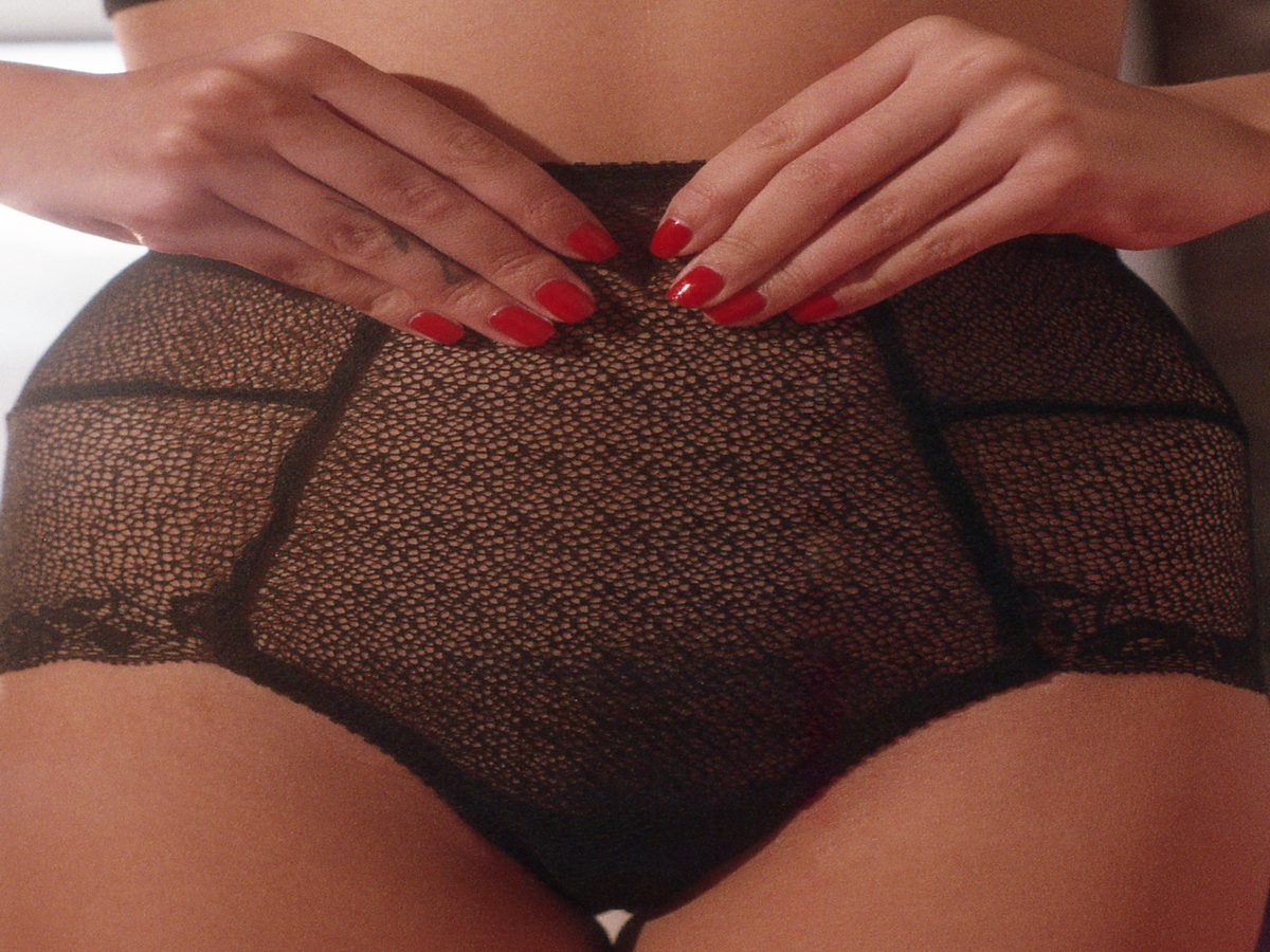 We Wore  Vagina Lipstick  — & It Made Everyone Uncomfortable
