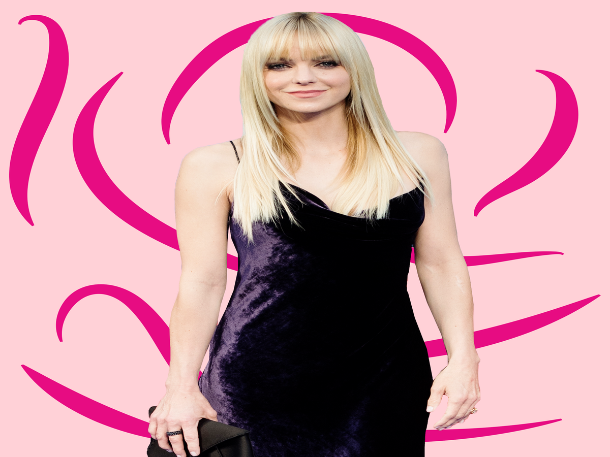 Anna Faris Is All Of Us On A Long-Haul Flight