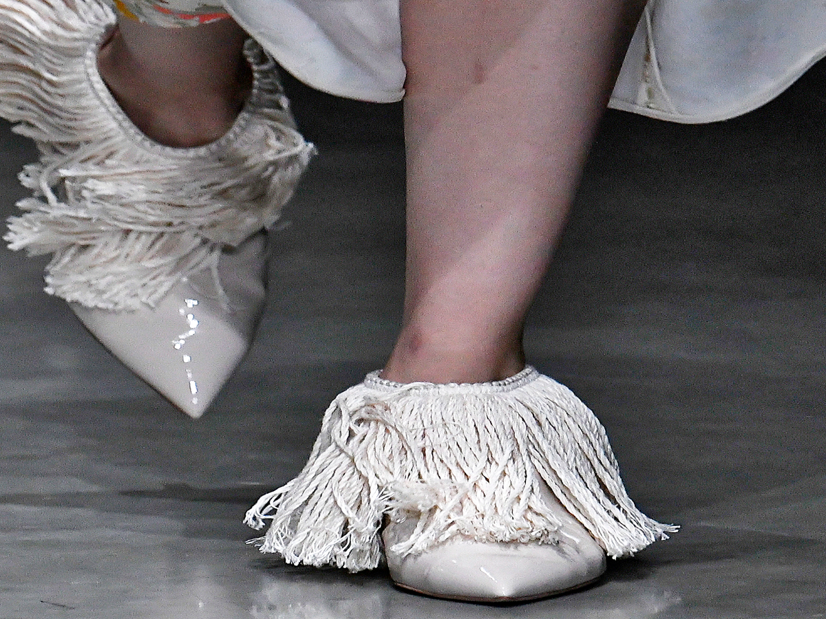 On The Runway: Mops & Yellow Sponges