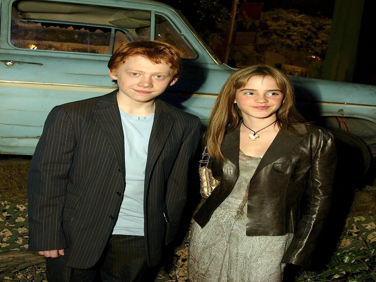 Ron & Hermione Are All Grown Up & Interracial In New Harry Potter Play