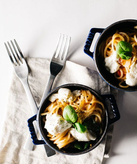9 Baked & One-Pot Pasta Recipes We're Not Waiting Until Fall To Make