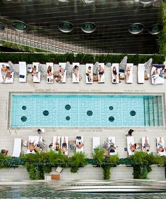 Rooftop Bars NYC Views - Best Hotels, Pools, Restaurants