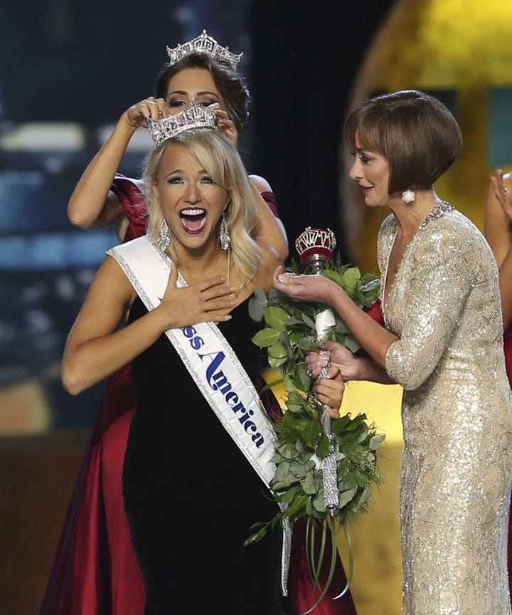 Ex-Miss Americas call for pageant CEO ouster