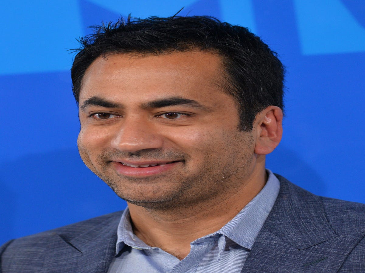 Kal Penn Channels Kellyanne Conway In This Hilarious Photo
