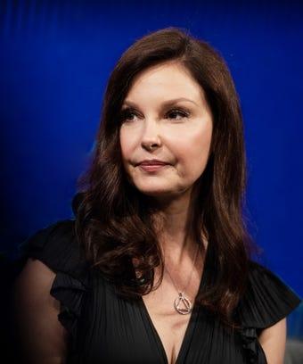 For Ashley Judd & Annabella Sciorra, Weinstein's Perp Walk Wasn't Enough