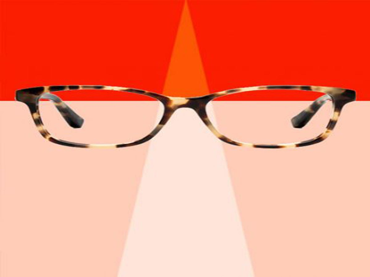 Teen Puts Glasses On Ground, Inadvertently Creates Amazing Art