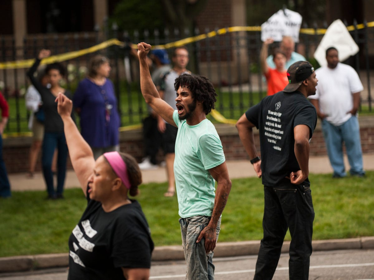 Moving Photos Of Protests And Grief In Dallas, Baton Rouge, & St. Paul