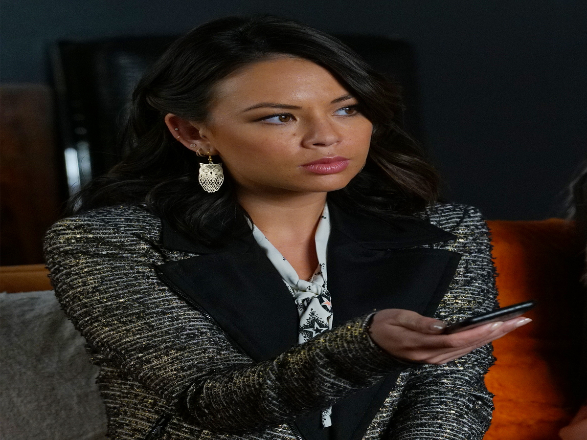 Is Mona Going To Die In The Pretty Little Liars Finale? Things Don't Look Good