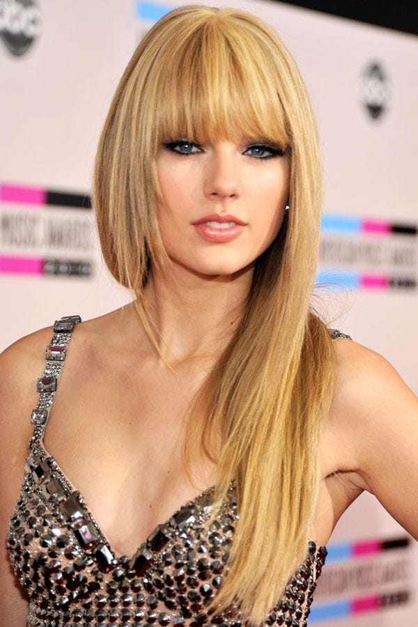 Taylor swift hair short long hairstyles best looks photo kevin mazurama2010getty images urmus Images