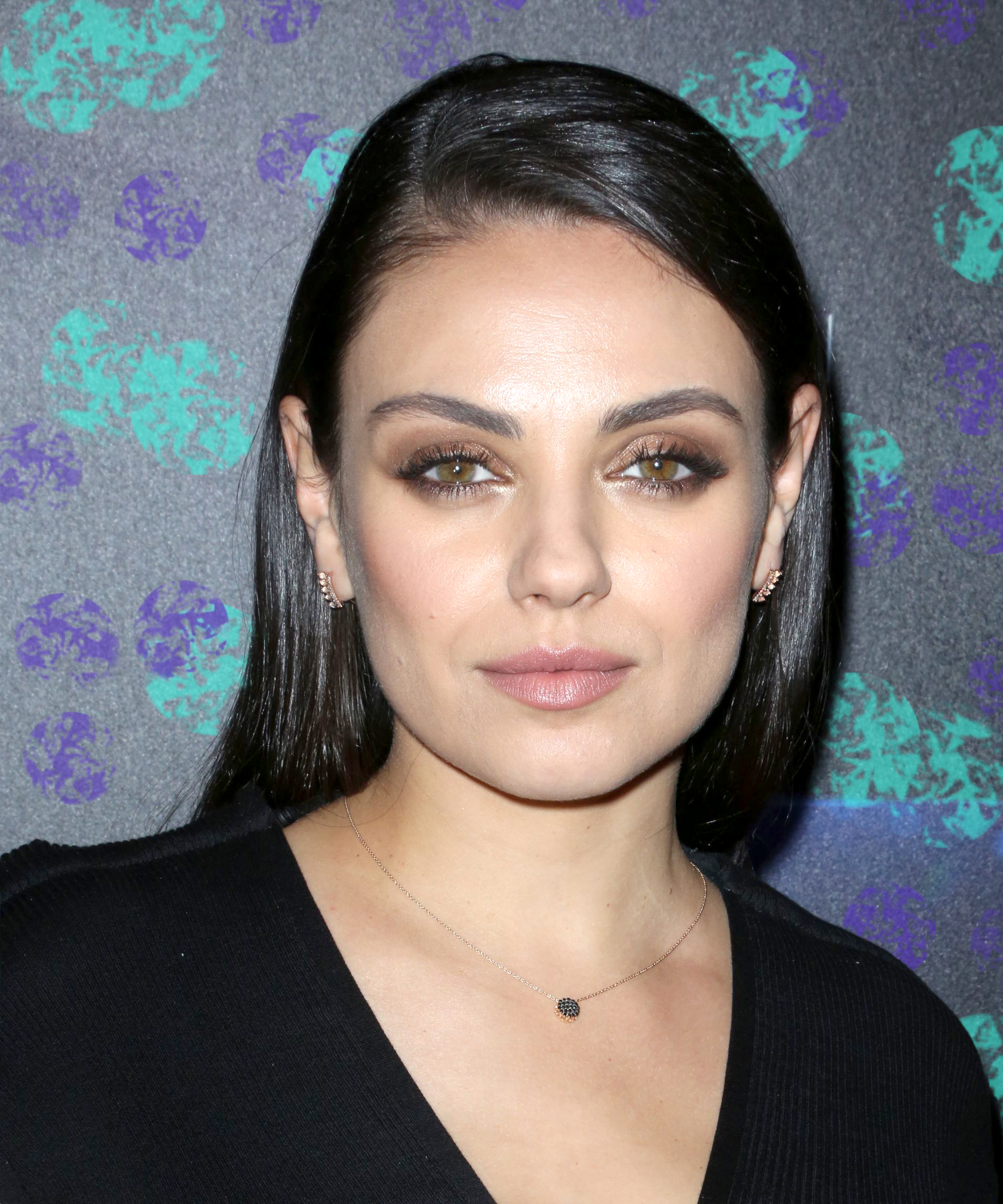 Mila kunis new short bob french hairstyle instagram urmus Image collections