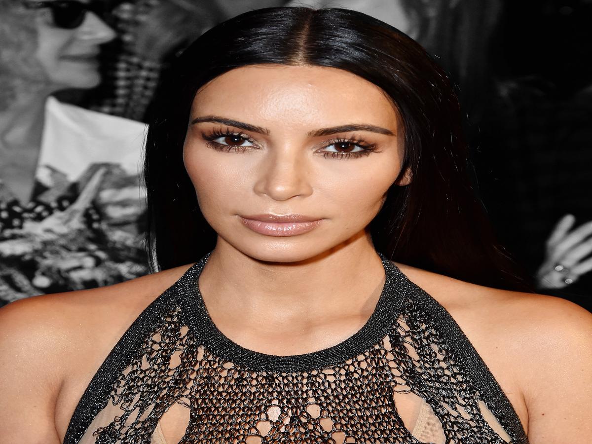 The Kardashians  Makeup Artist Has The Easiest Brow Trick