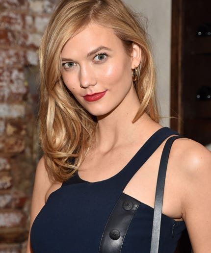 Karlie Kloss Has A Dance-Off For British Vogue