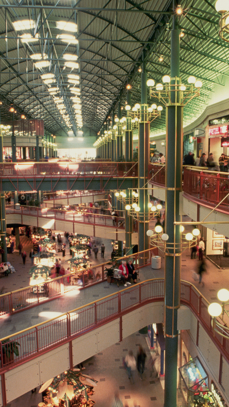 death of shopping malls mall of america popularity