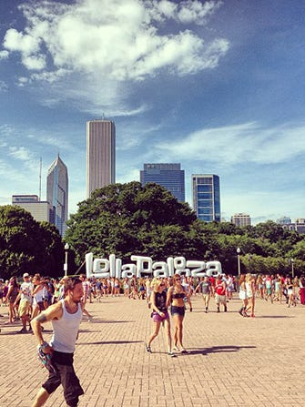 lolla_embed