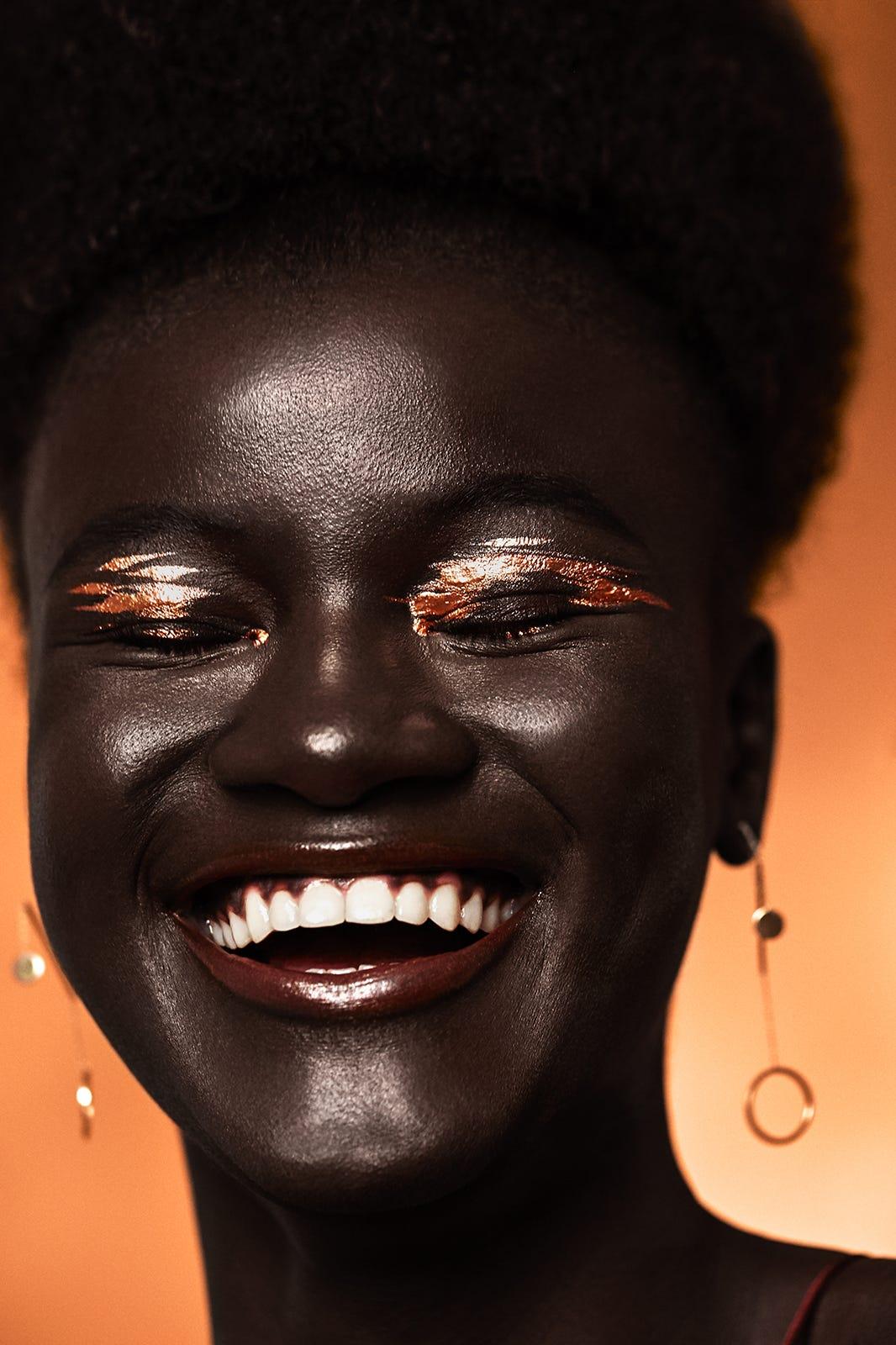 Metallic Chrome Lipstick Eye Makeup Looks Photos