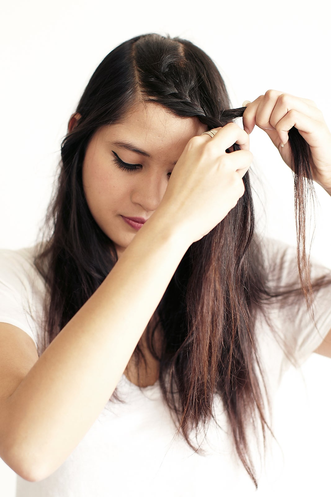 how to grow out fringe stylishly