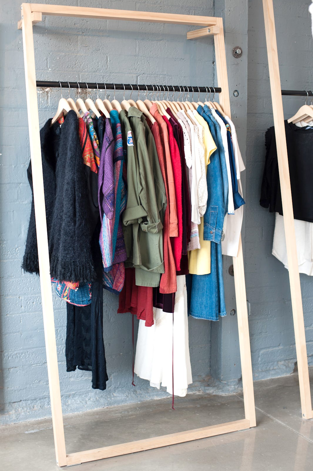 Small clothing store design