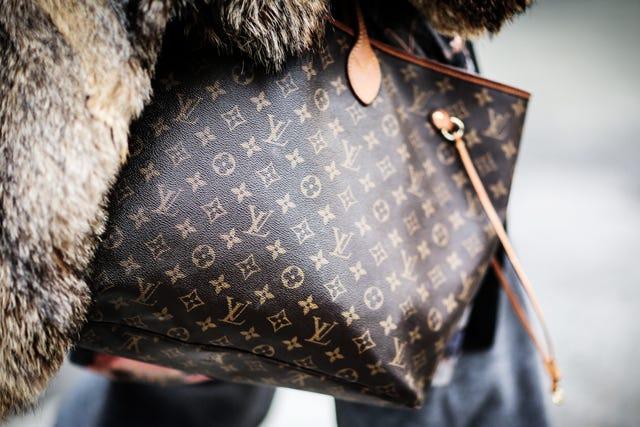 Tradesy handbags best resale value louis vuitton for Louis vuitton bin bags