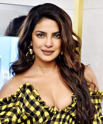 Priyanka Chopra Just Got This Seasons Trendiest Haircut