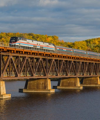 Amtrak offers 20 percent off travel to veterans, active ...