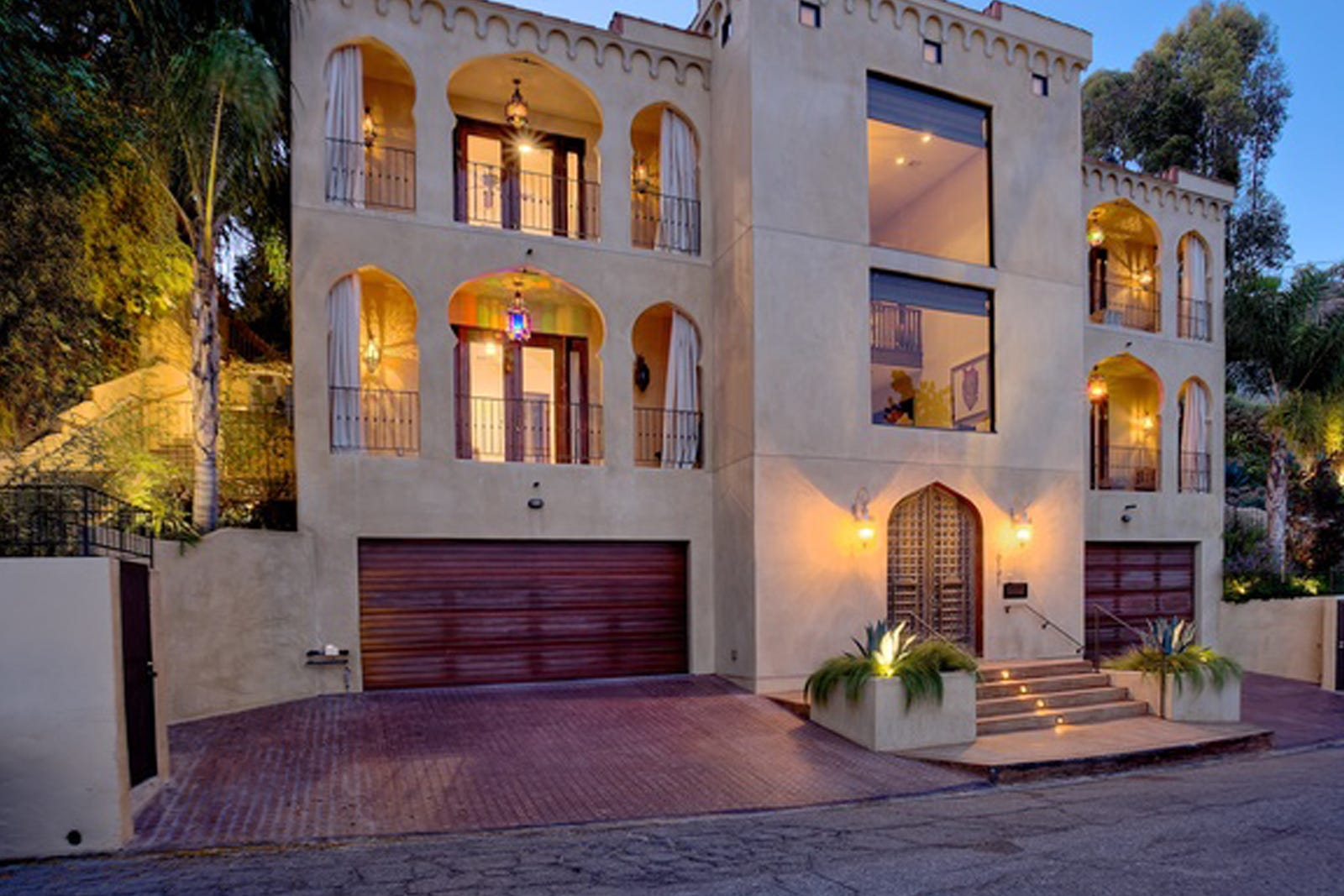 Taraji p henson hollywood hills mansion empire for Hollywood mansion for sale