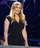 "Kristen Bell Gives The Baby-Weight Rat Race A Big ""No Thanks"""