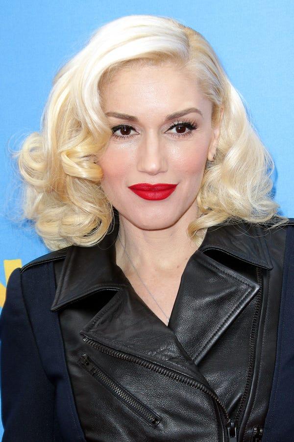 Blonde Hair Dark Eyebrow Celebrity Trend
