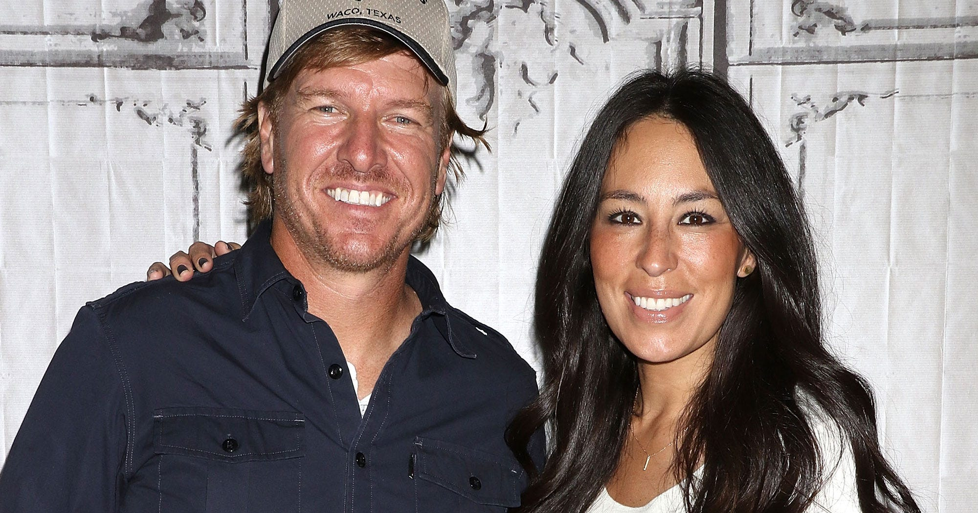 fixer upper chip joanna gaines opening restaurant waco. Black Bedroom Furniture Sets. Home Design Ideas