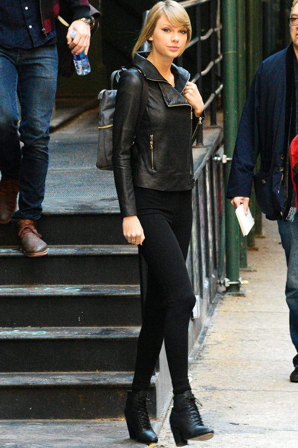 Taylor Swift Leggings Travel Outfit