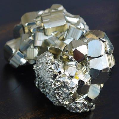 how to use chakra stones