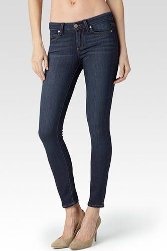 The fitted cut of skinny jeans and leggings offers a leg-lengthening effect, a flattering fit for those with petite frames. For a slightly less tailored look, choose straight leg jeans, which feature an even leg width from the thigh to the ankles.