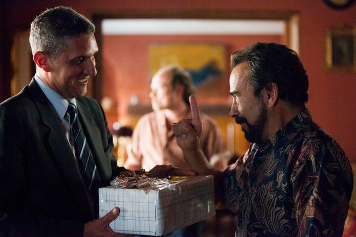 Narcos season 1 episode 2 review : Man of war movie trailer