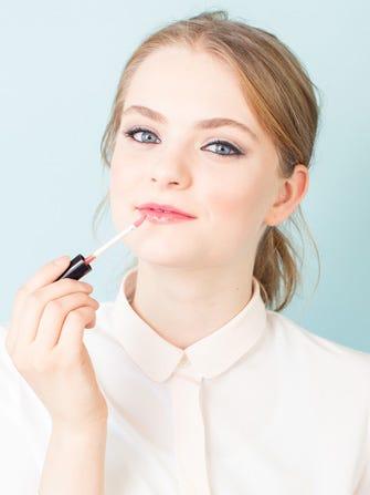 Fake Yourself Awake With This 5-Minute Makeup Tutorial