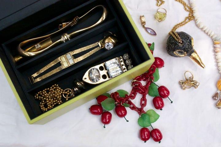 jewelry designers la jewelry box pictures. Black Bedroom Furniture Sets. Home Design Ideas