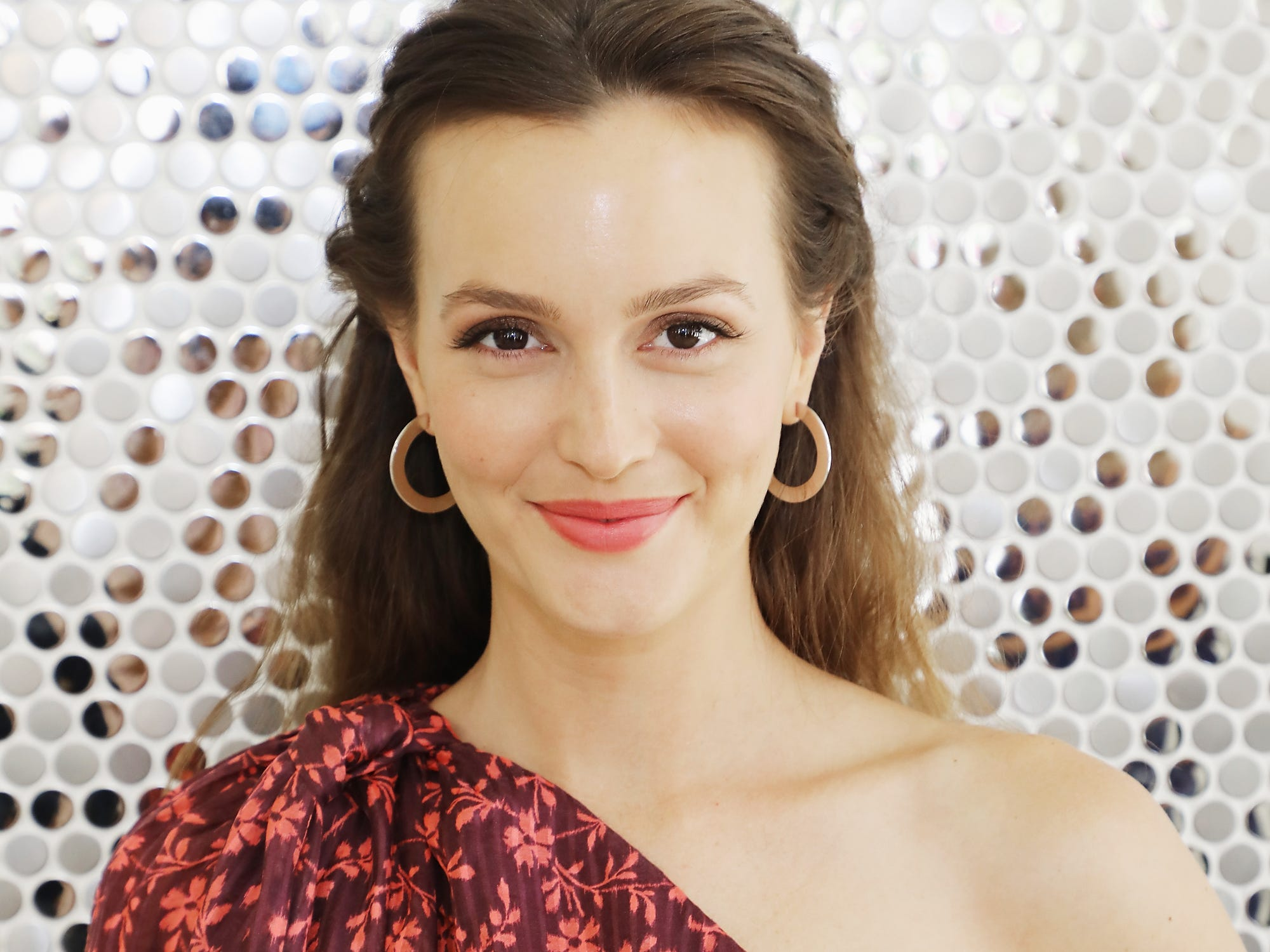 Leighton meester goes platinum blond for the first time baditri Gallery