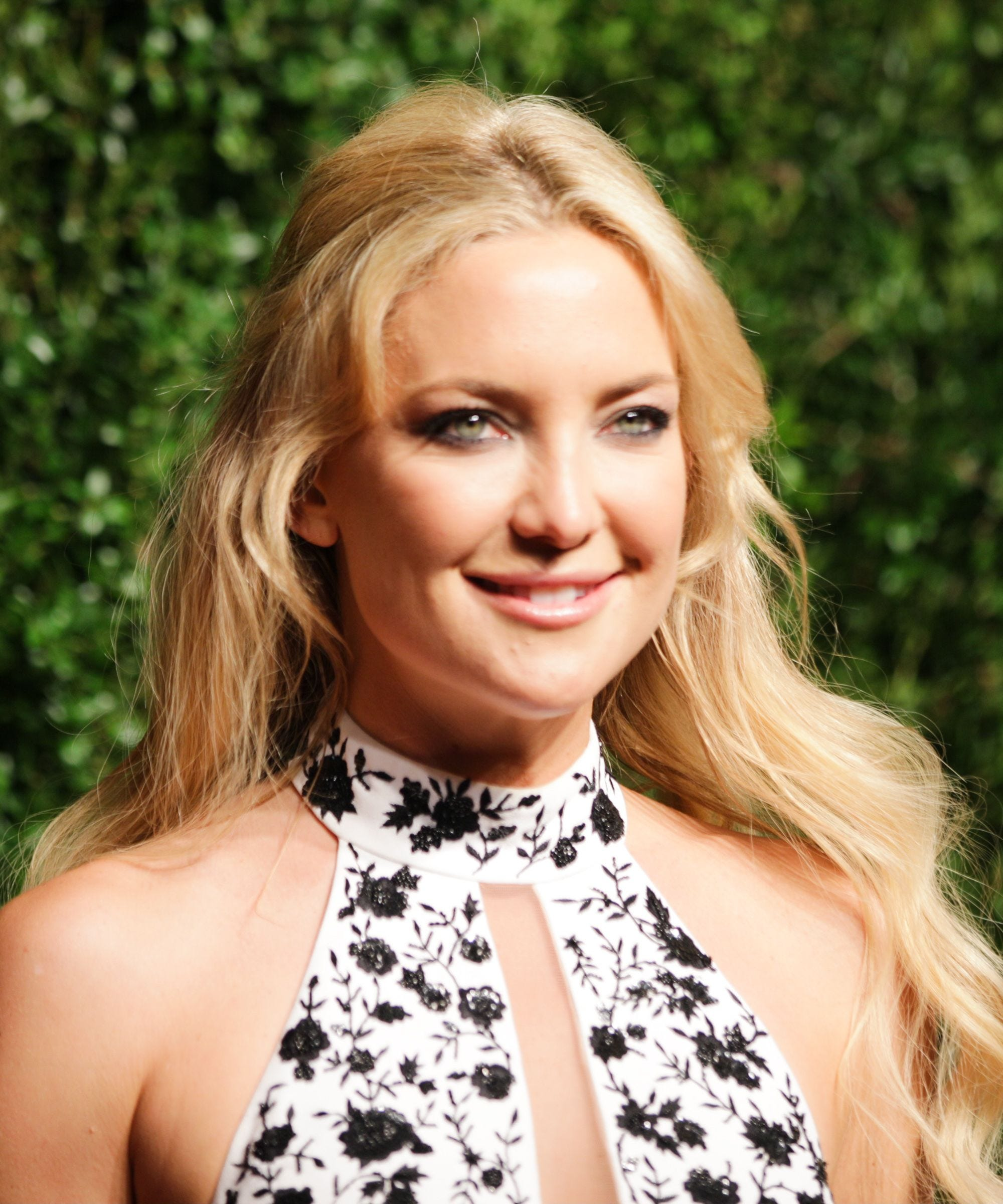 Kate Hudson Sings On Tonight Show With Jimmy Fallon