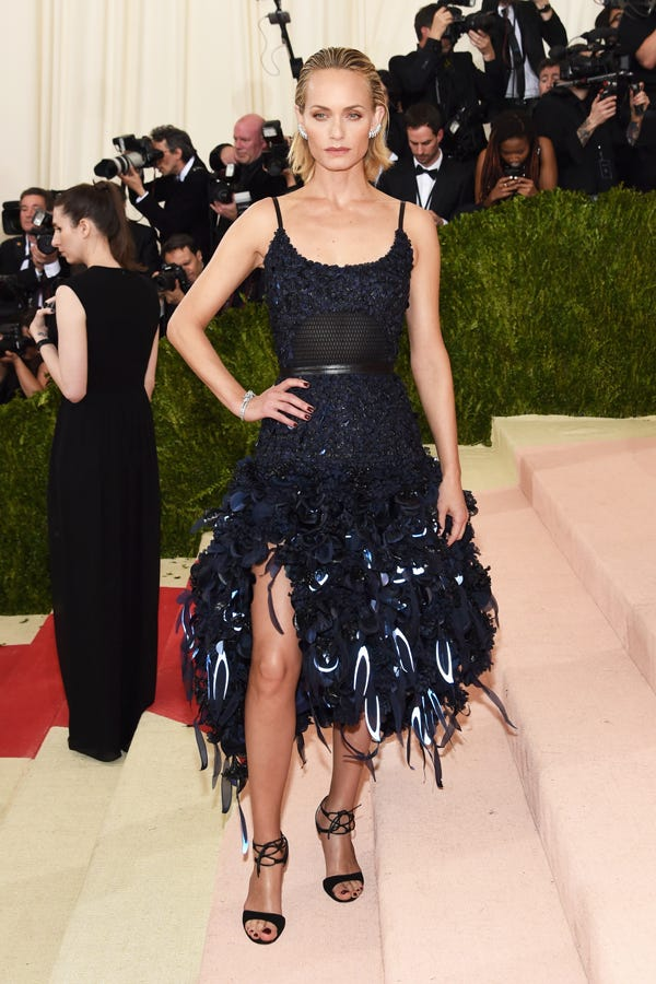 faacc0837b5f Best Dressed Met Gala 2016 Red Carpet Outfits Photos