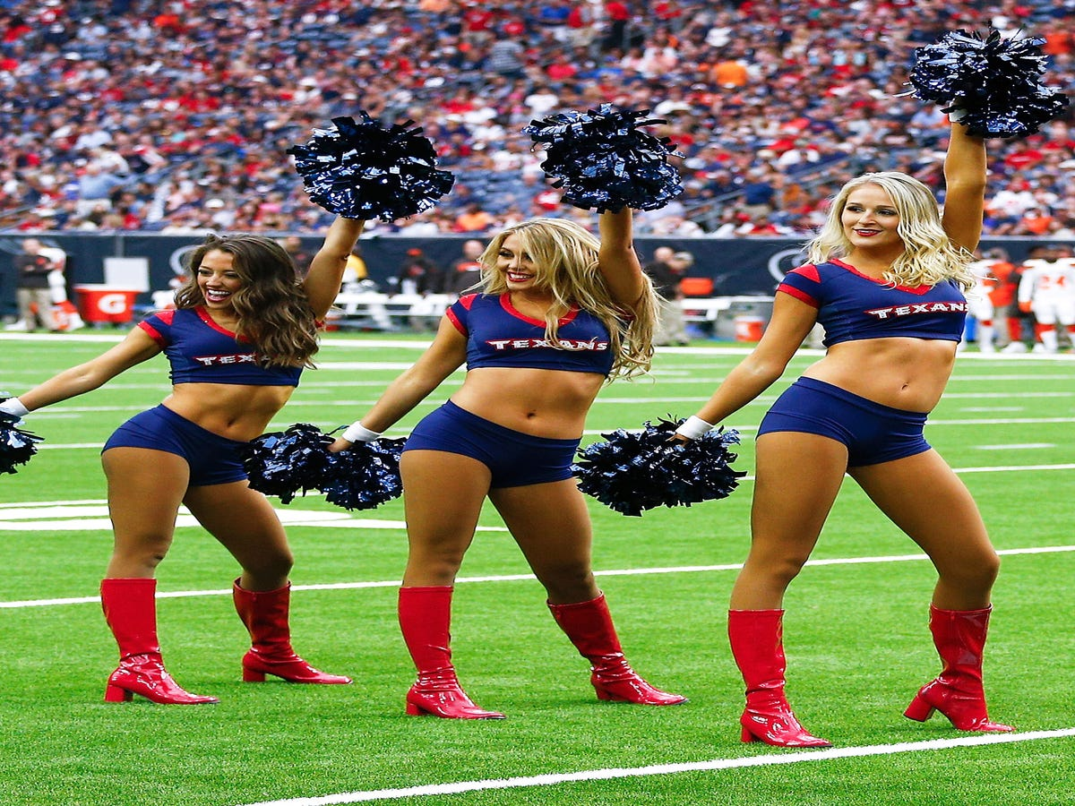 Cheerleaders Sue The Houston Texans For Unfair Pay, Discrimination & Harassment
