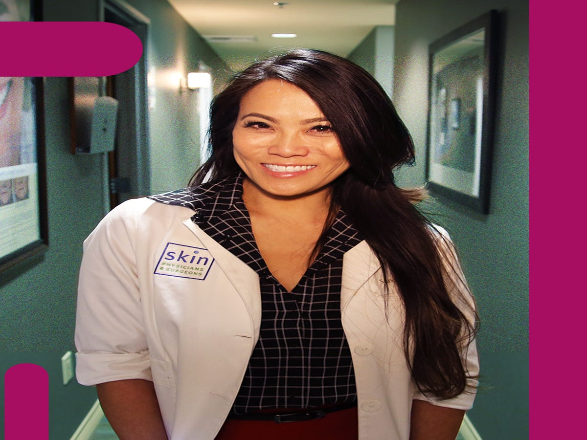 A Popaholics  Guide To The Best Dr. Pimple Popper Videos Of 2018