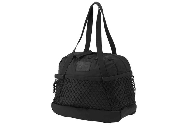 This Shoulder Bag S Large Mesh Outer Pocket Was Made For Items You Remember At The Last Minute Not That D Ever Forget Your Water Bottle Home