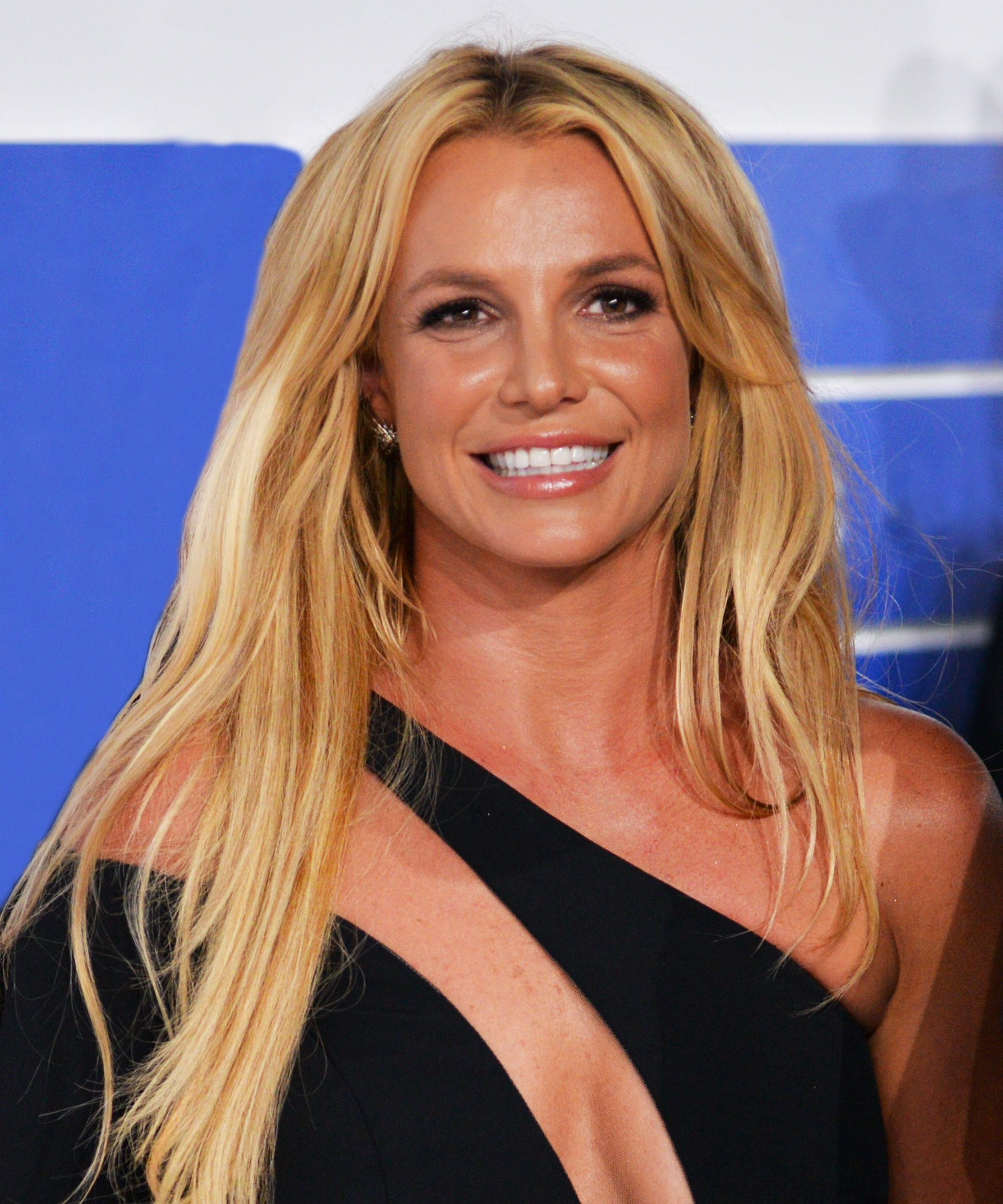 Britney Spears Snake Dance Riverdale Season 2 Betty