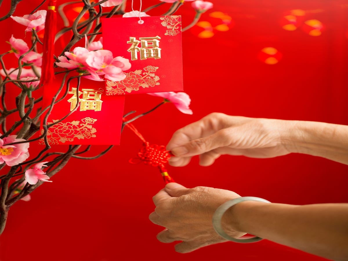 Here s What Lunar New Year Red Envelopes Are All About